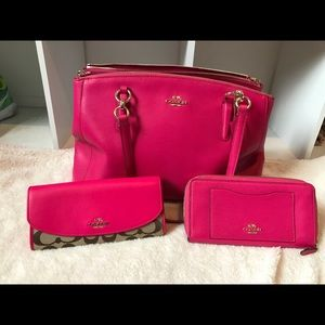 COACH AUTHENTIC PINK RUBY PURSE & WALLETS